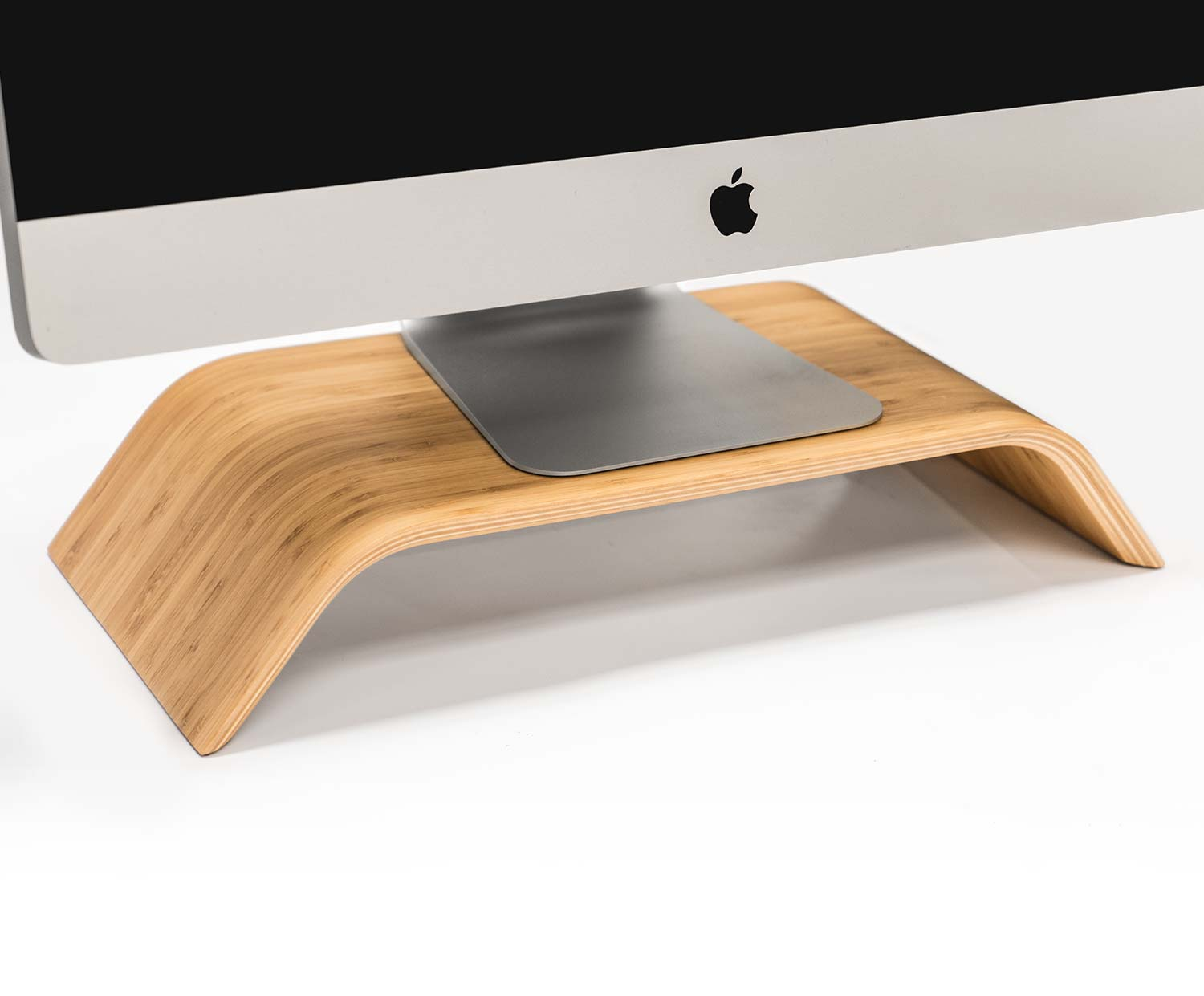 holz stand f r imac. Black Bedroom Furniture Sets. Home Design Ideas